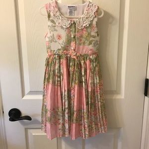 Adorable Lace collar girls dress! Size 6